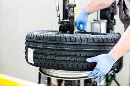 Tenemos las mejores marcas de neumáticos a los mejores precios en taller Jaccars